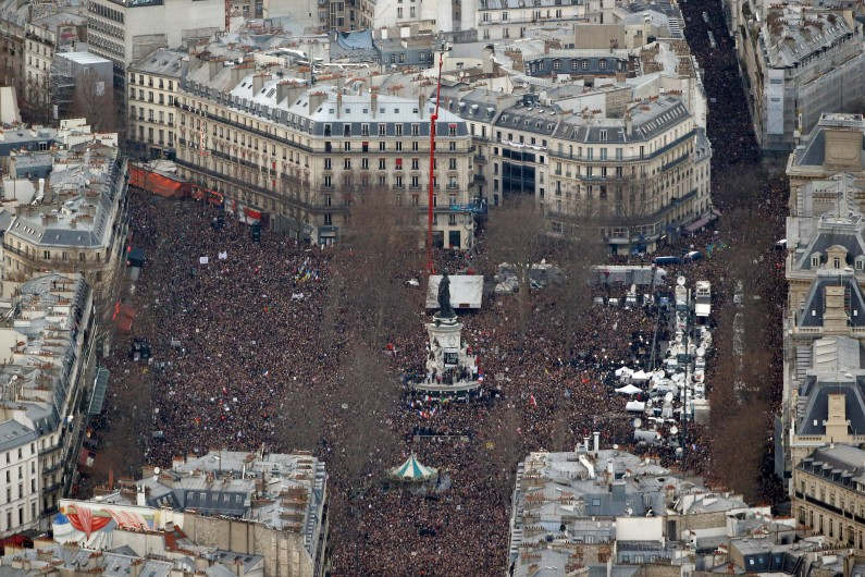Vue aérienne de la Place de la République à Paris, dimanche 11 janvier 2015.