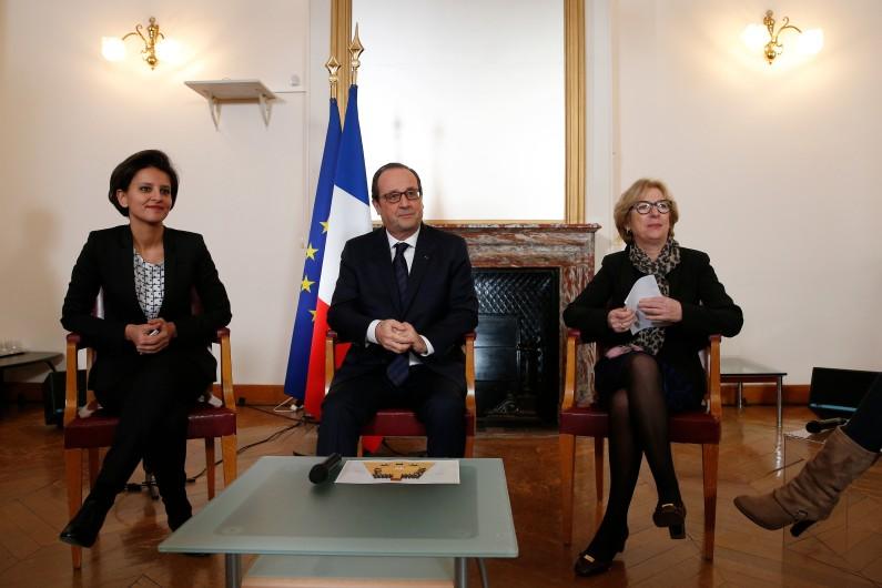 François Hollande à l'Ecole supérieure du professorat et de l'éducation, accompagné de Najat Vallaud-Belkacem et Geneviève Fioraso.