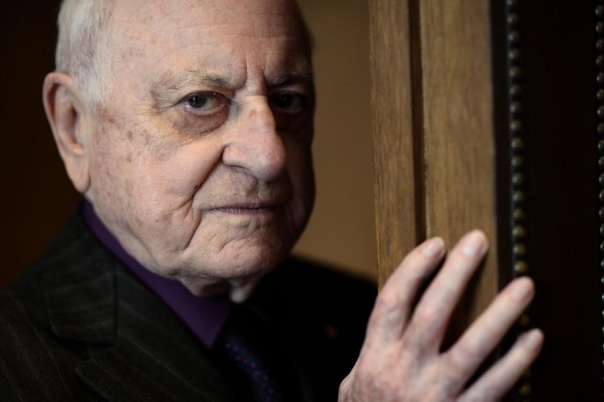 Pierre Bergé avait bloqué l'accès aux archives de la collection YSL à l'équipe de Bertrand Bonello (archives).