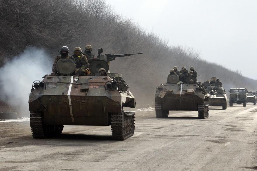 Un convoi militaire ukrainien quittant Debaltseve, le 19 février 2015 (illustration).