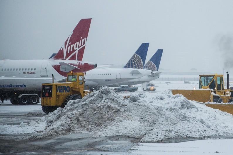 L'aéroport de LaGuardia à New York sous la neige, le 2 février 2015