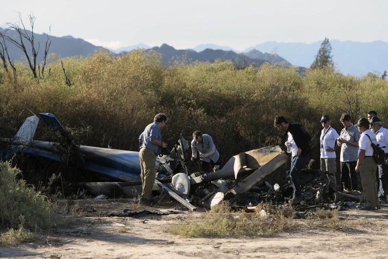 Les experts Français et Argentins inspectent la zone du crash en Argentine dans lequel Camille Muffat, Florence Arthaud et Alexis Vastine ont perdu la vie.