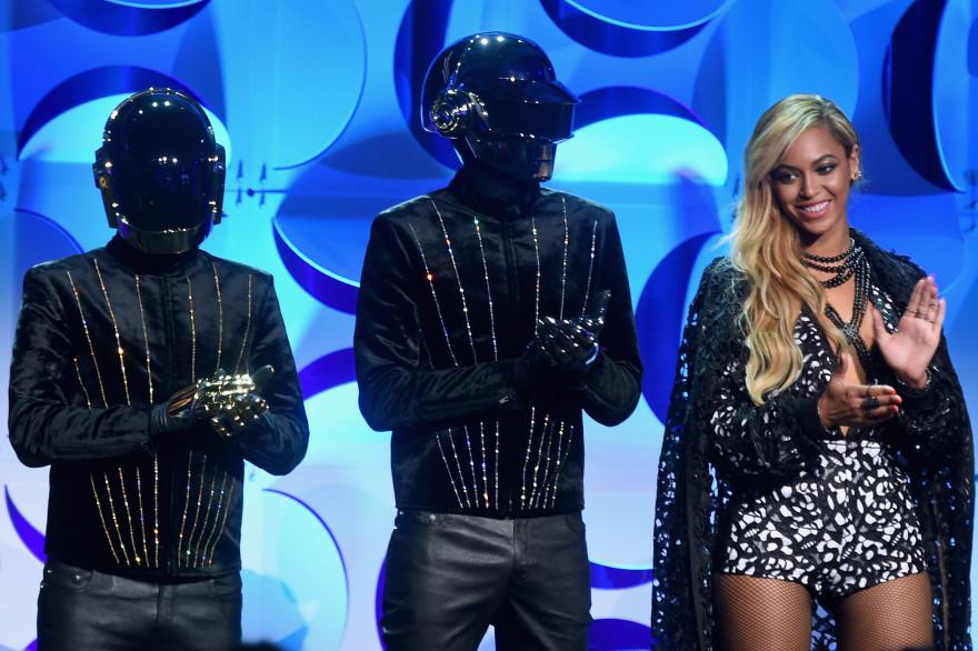 Beyoncé et les Daft Punk lors du lancement de Tidal, lundi