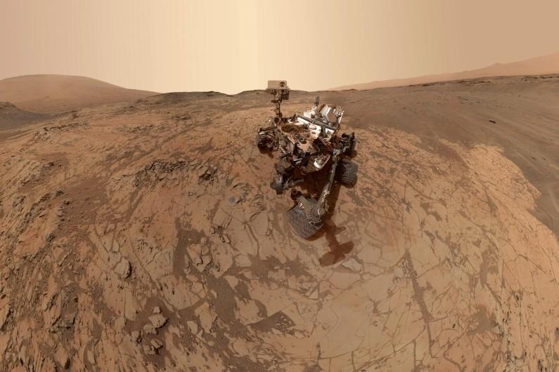 Le robot Curiosity sur Mars