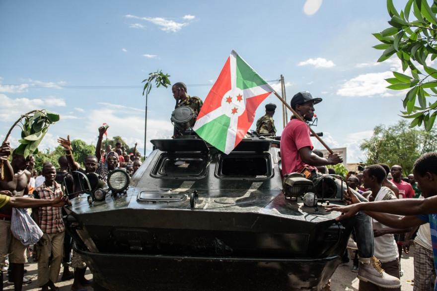 Des manifestants à Bujumbura, le 13 mai