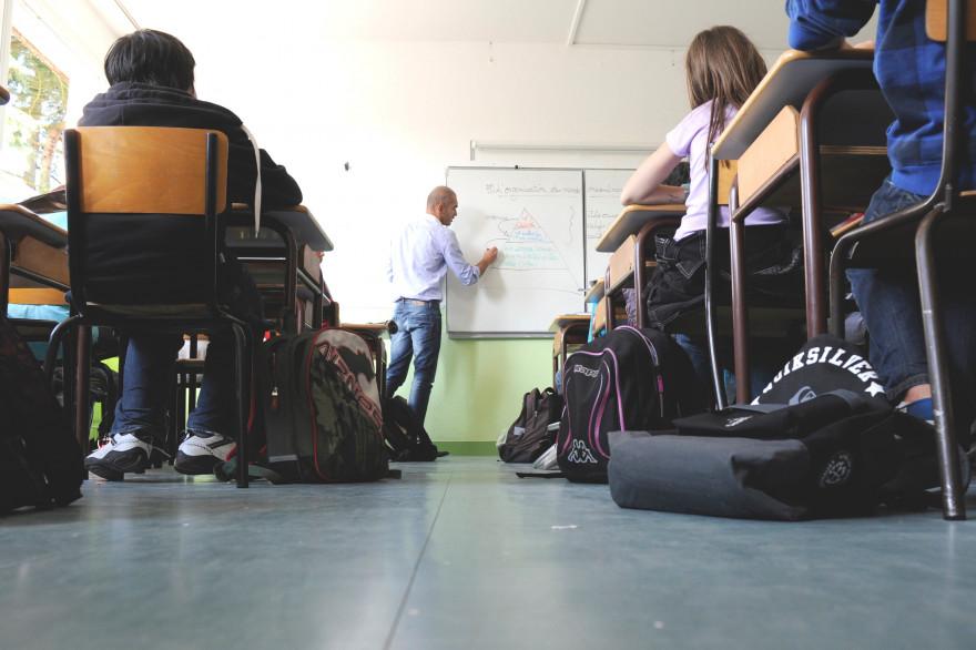 Une classe de collège (illustration)