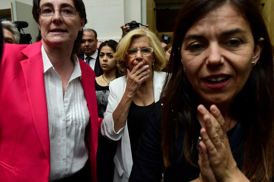 L'ancienne juge Manuela Carmena a obtenu la majorité absolue des 57 conseillers et est devenue ce samedi 13 juin maire de Madrid.