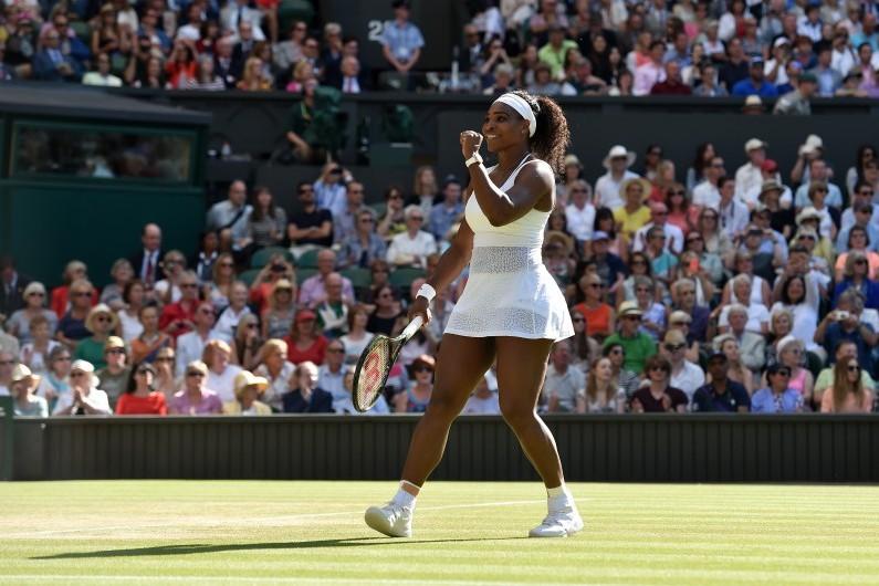 Serena Williams à Wimbledon lors de son match contre Maria Sharapova, le 9 juillet 2015