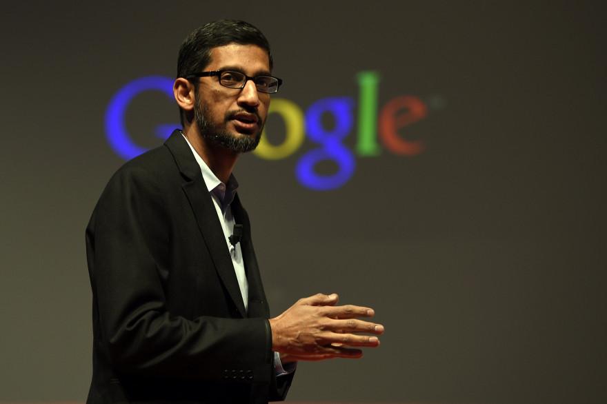 Sundar Pichai devient le nouveau Directeur général de Google, désormais filiale d'Alphabet.