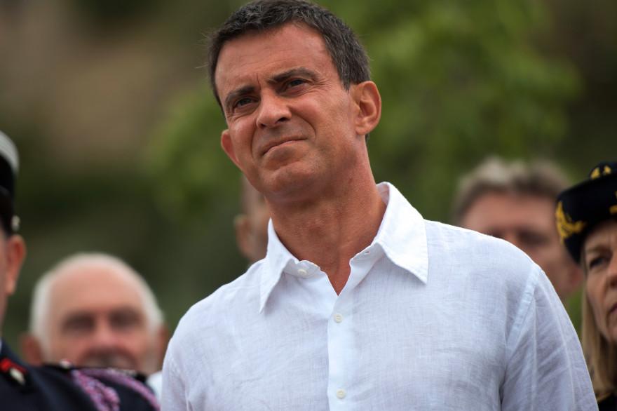 Manuel Valls en visite à ainte-Croix-de-Verdon le 10 août 2015