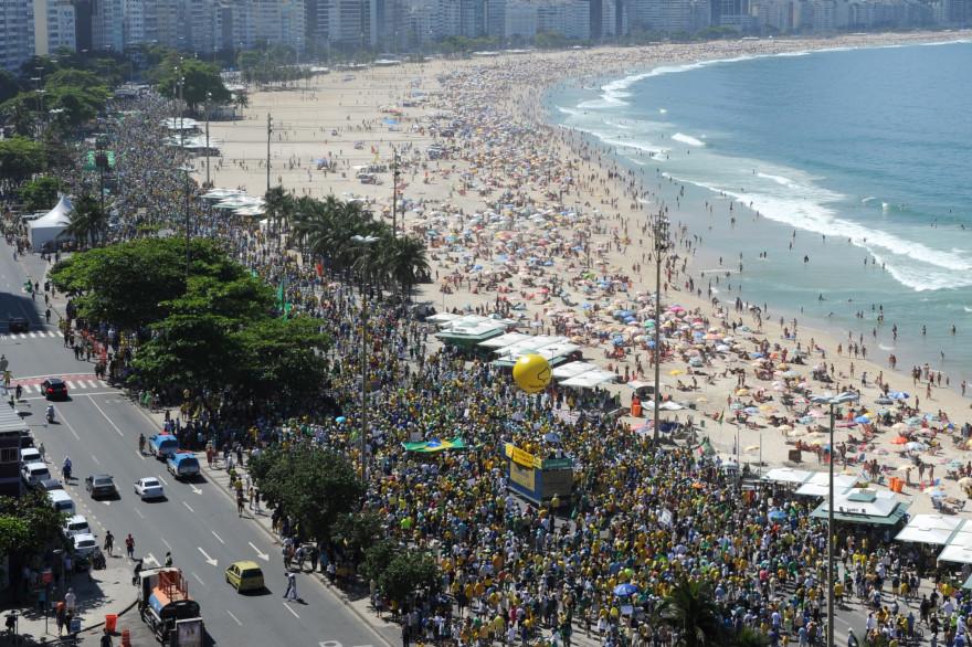 Les Brésiliens dans la rue le 16 août pour réclamer le départ de la présidente Dilma Roussef.