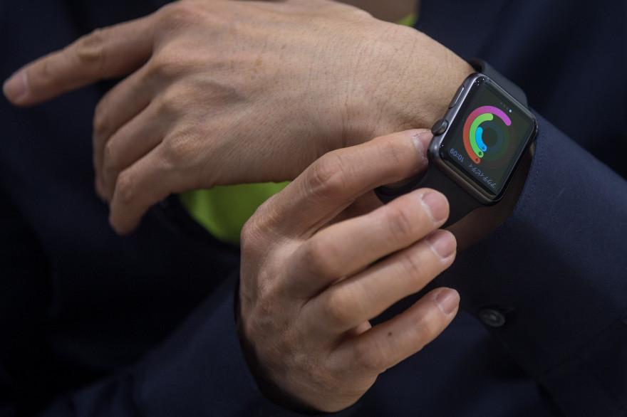 L'Apple Watch est la première montre connectée commercialisée par Apple