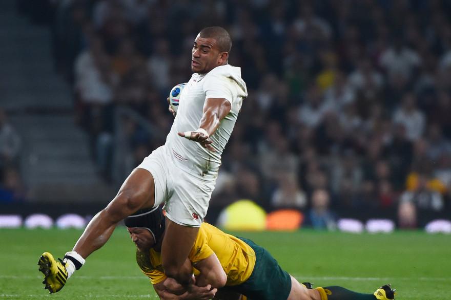 L'Anglais Jonathan Joseph plaqué contre l'Australie le 3 octobre 2015
