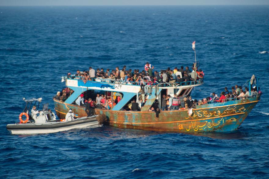 Des migrants en méditerranée, le 5 septembre 2015 (illustration)