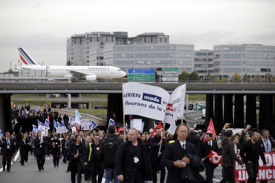 Les employés d'Air France lors de la manifestation du lundi 5 octobre 2015