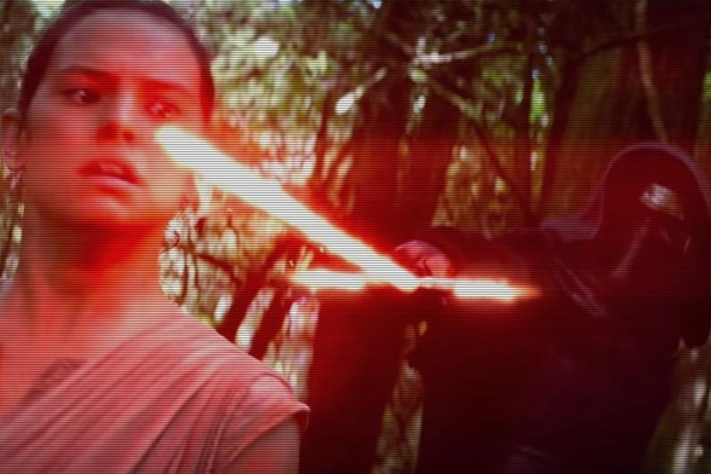 """VIDÉO - """"Star Wars 7"""" : des images inédites dévoilées dans la bande-annonce asiatique"""