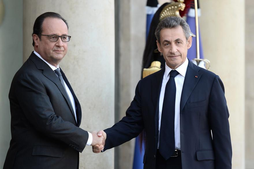 François Hollande et Nicolas Sarkozy à l'Élysée après les attaques terroristes qui ont touché Paris