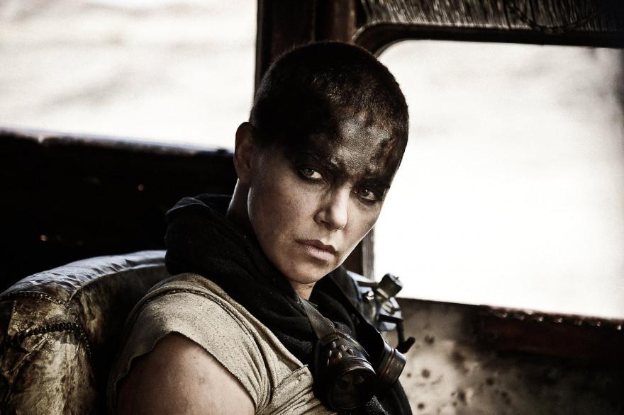 """Dans """"Mad Max : Fury Road"""", Charlize Theron joue Furiosa, l'un des rôles marquants de cette année"""