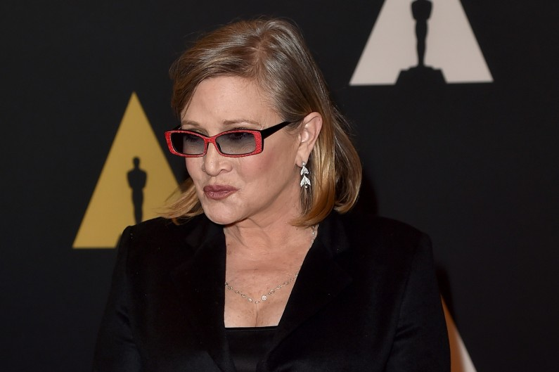 """""""Star Wars 7"""" : Carrie Fisher explique avoir perdu 16 kilos pour interpréter à nouveau la Princesse Leia"""