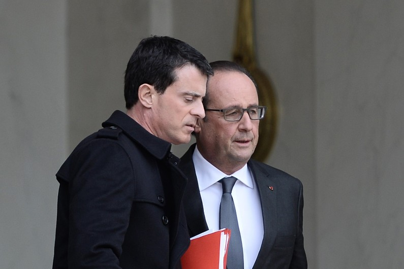 65% des Français jugent que l'action de François Hollande et Manuel Valls n'est pas à gauche