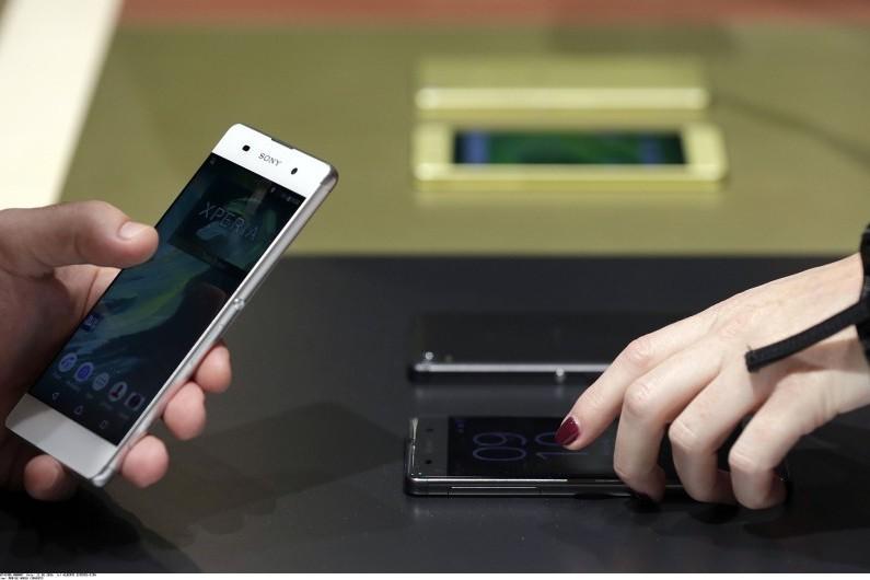 Des smartphones présentés au  Mobile world congress 2016 de Barcelone