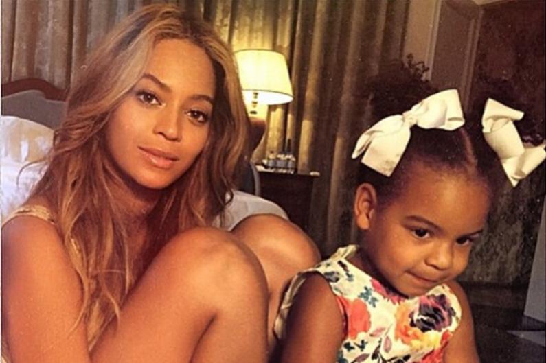 Beyoncé en compagnie de sa fille Blue Ivy