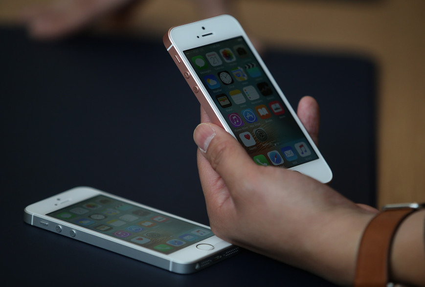 Avec l'iPhone 5Se, Apple renoue avec les smartphones qui tiennent dans la main