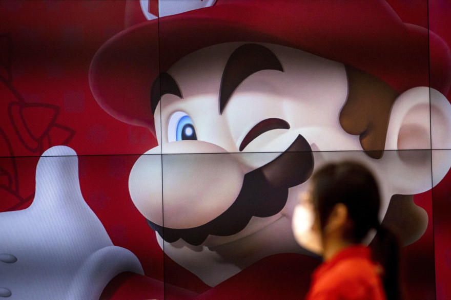 La figure du jeu vidéo Mario, au sein du Nintendo Store de Tokyo