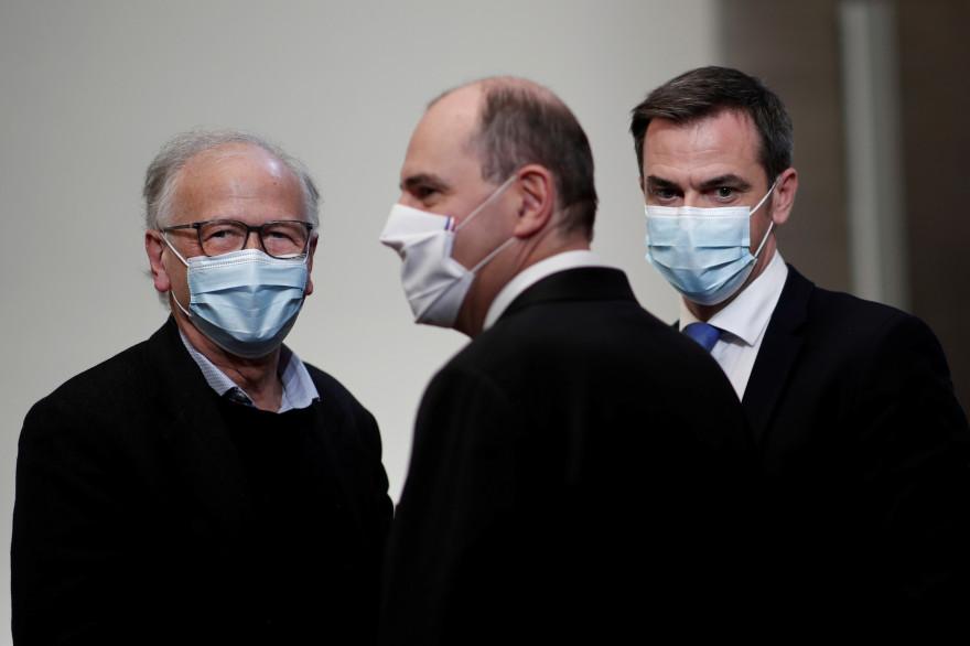 """Alain Fischer, """"Monsieur vaccin"""" du gouvernement, Jean Castex, Premier ministre et Olivier Véran, ministre de la Santé, le 3 décembre 2020"""
