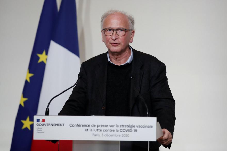 L'immunologiste Alain Fischer le 3 décembre 2020 à Paris.