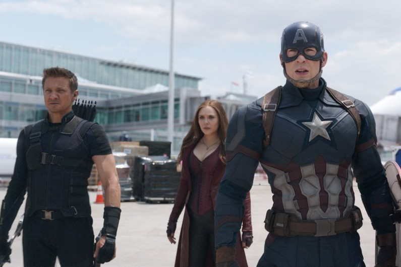 "Clint Barton, Captain America et Wanda dans ""Captain America : Civil War"""
