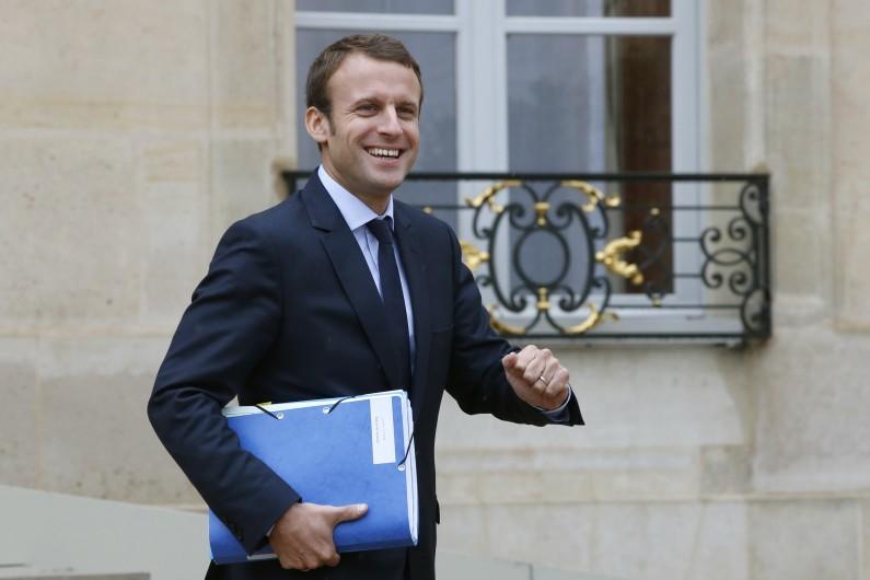 Emmanuel Macron à la sortie du conseil des ministres mercredi 16 septembre 2015