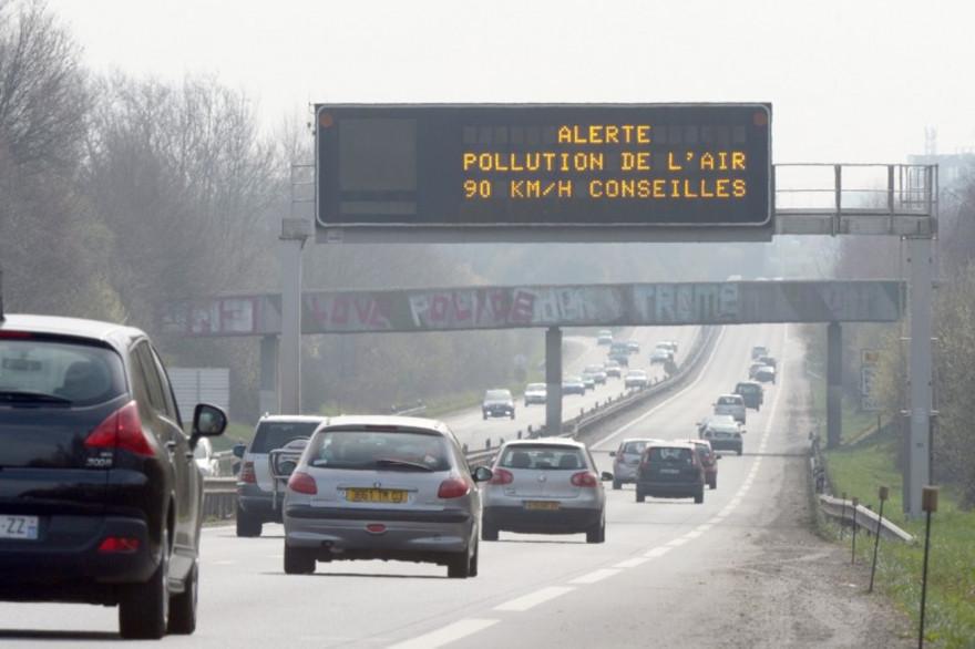 Une panneau indique une pollution de l'air près de Rennes (illustration)