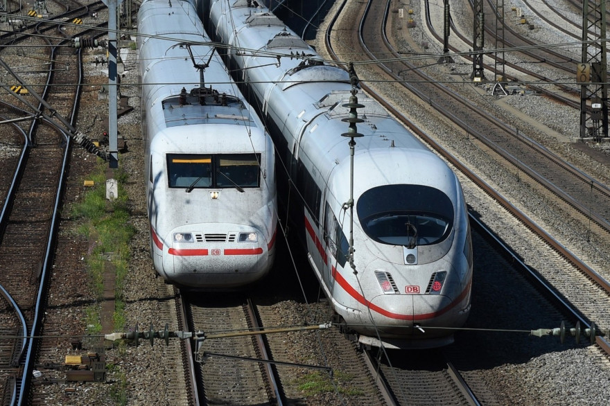 Des trains de la Deutsche Bahn, près de Munich, en Allemagne.