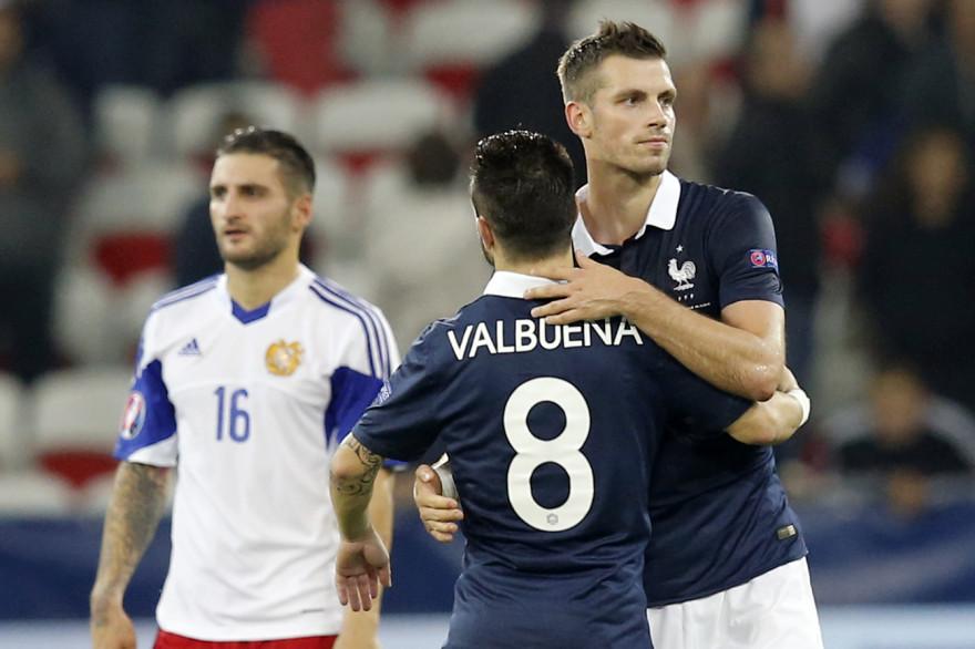 Mathieu Valbuena et Morgan Schneiderlin le 8 octobre 2015 face à l'Arménie