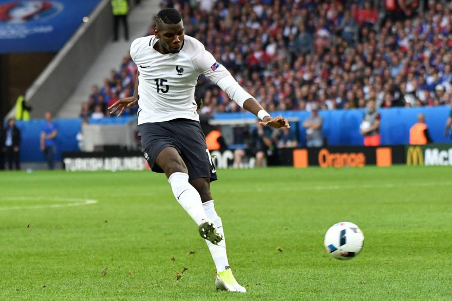 Paul Pogba frappe au but, dimanche 19 juin