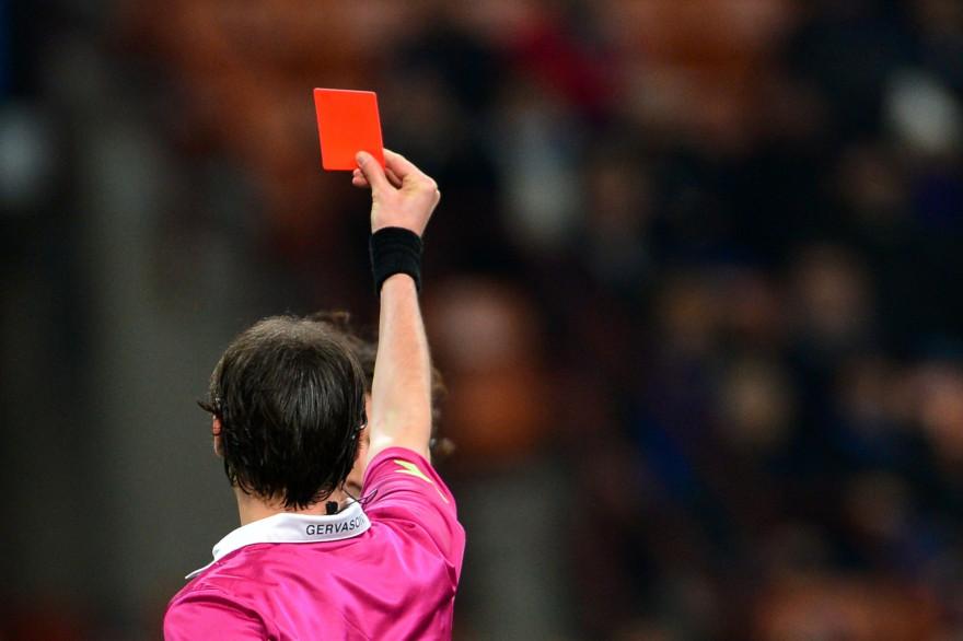 Un arbitre italien donne un carton rouge en Série A (illustration)