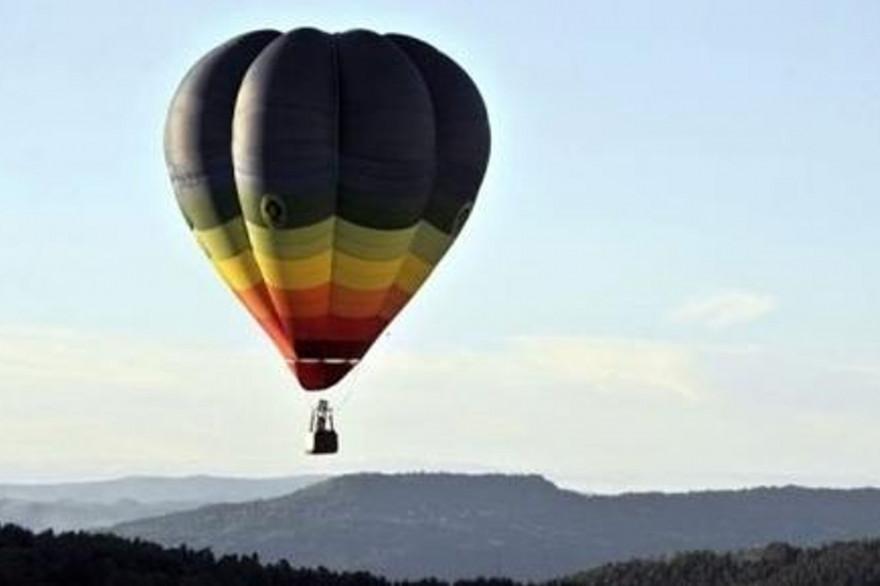 Une montgolfière (illustration)