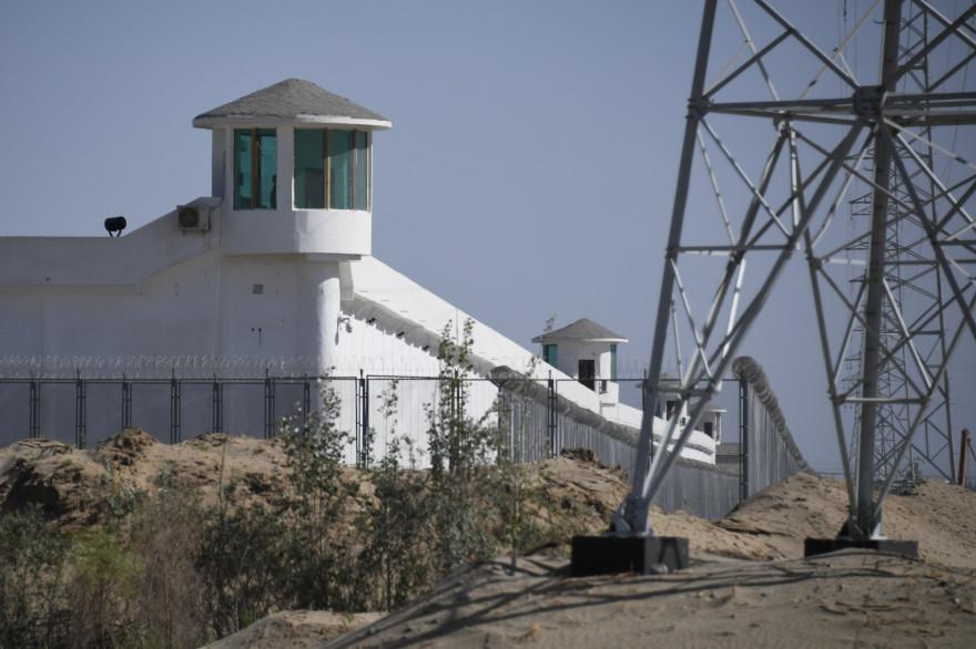 """Un """"centre"""" suspecté de détenir des Ouïghours, près de Hotan, dans le Xinjiang, ici en mai 2019"""