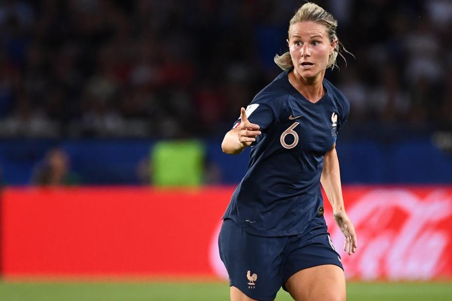 Amandine Henry, capitaine de l'équipe de France de football