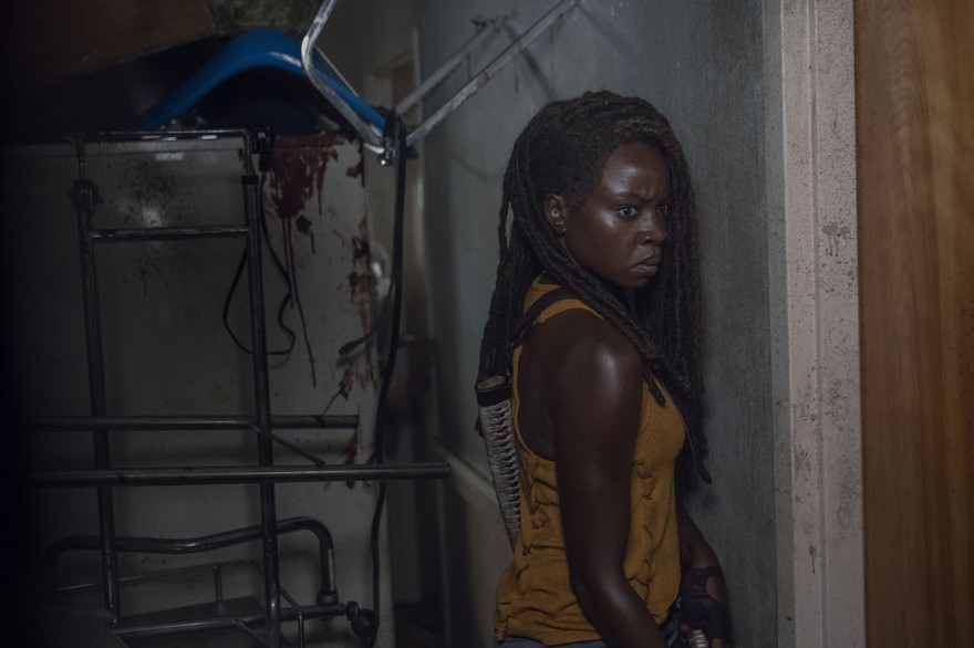 "Michonne (Danai Gurira) dans l'épisode 13 de ""The Walking Dead"""
