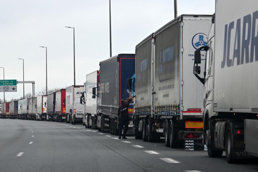 Camions de transport routier (illustration)