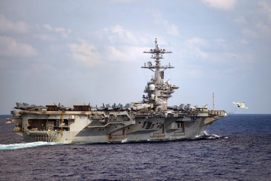 Le porte-avions USS le 18 mars 2020 dans l'océan Pacifique à l'occasion d'un déploiement prévu dans l'Indo-Pacifique.
