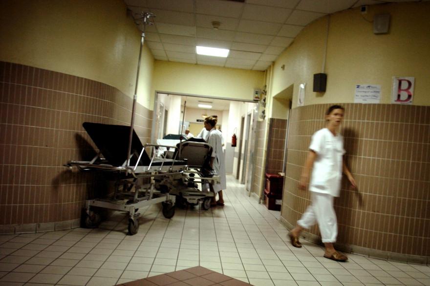 Un couloir d'hôpital (Illustration).