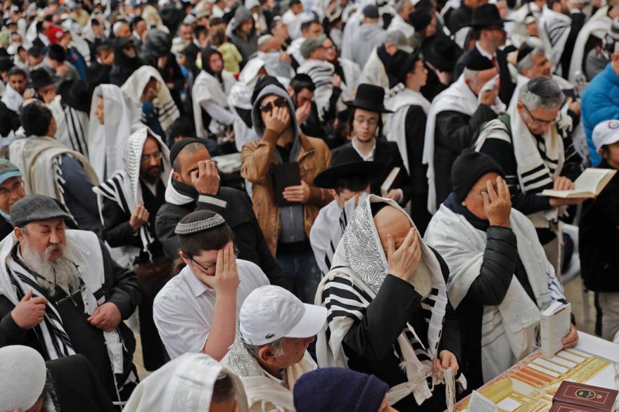 Des juifs célèbrent Pessah à Jérusalem, le 22 avril 2019