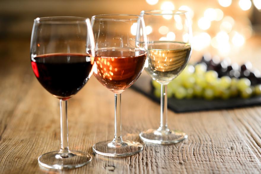 Coronavirus : Confinés, les Français achètent moins d'alcool