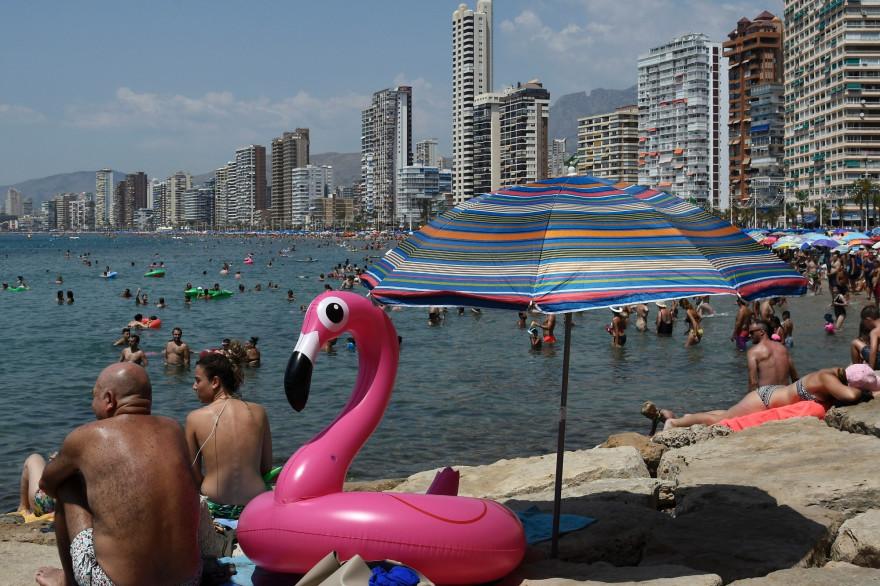 Journée de canicule à la plage à Benidorm (Espagne) le 5 août 2018