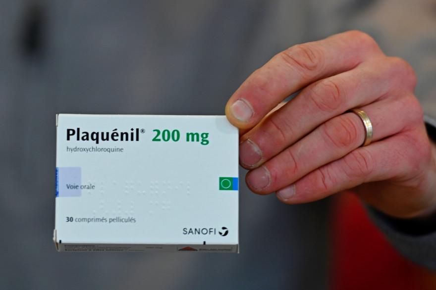 Une boîte de Plaquénil, mécidament à base d'hydroxychloroquine, un dérivé de la chloroquine
