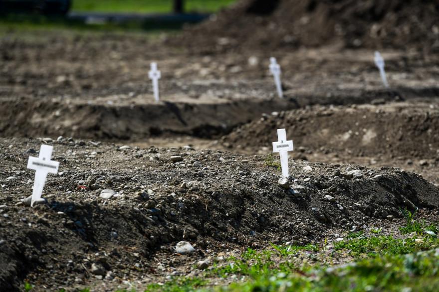 Le cimetière où sont enterrées les victimes du coronavirus dont personne n'a réclamé le corps