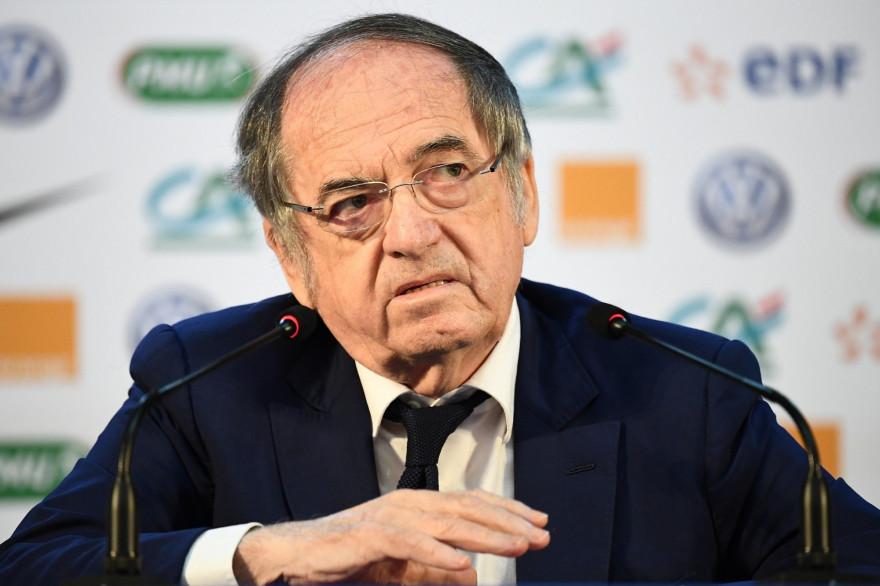 Le président de la Fédération française de football Noël Le Graët a annoncé l'arrêt définitif de la Ligue 1 et de la Ligue 2 pour la saison 2019/2020.